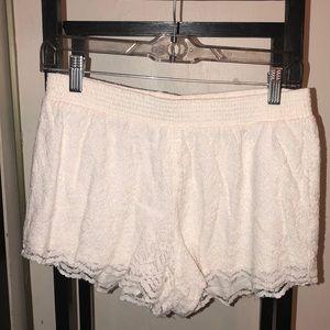 HOLLISTER White Lace Fabric Shorts
